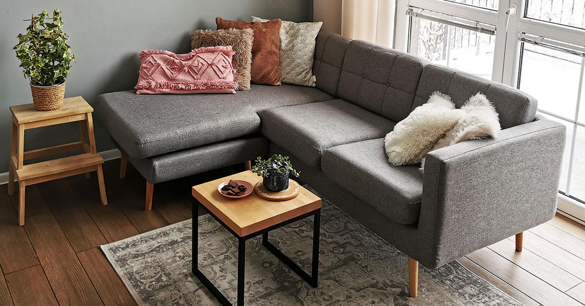 Suggestions de canapés d'angle élégants pour de petits salons